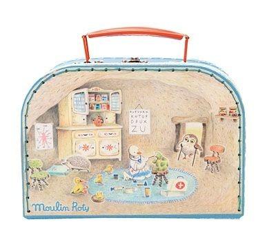 Kuferek lekarza - zestaw lekarski dla dzieci (stetoskop, strzykawaka, termometr i inne akcesoria), Moulin Roty