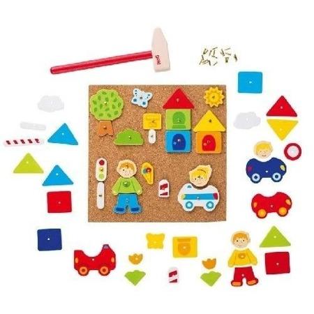 """Przybijanka """"Chłopczyk i dziewczynka w mieście"""" - manulana zabawa z figurami dla dzieci, 52 el., GOKI"""