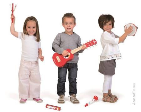 Zestaw instrumentów Janod z serii Confetti, 5 szt. w zestawie: gitara, tamburyn, harmonijka, trąbka oraz kastaniety